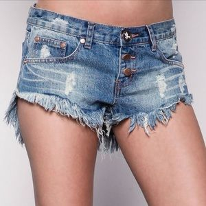One Teaspoon Bonitas Distressed denim shorts 26